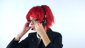 Девушка с микрофоном акции видеоматериалы