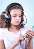 Девушка с мобильным телефоном Стоковое фото RF