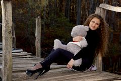 Фото девушек с игрушкой фото 167-668