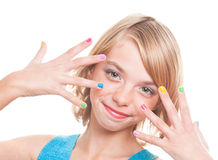 Девушка с ногтями радуги Стоковая Фотография