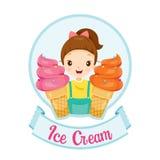 Девушка с логотипом и ярлыком мороженого Стоковая Фотография