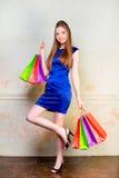 Девушка с покупками Стоковое Фото