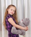 Девушка с плюшевым медвежонком Стоковые Фото