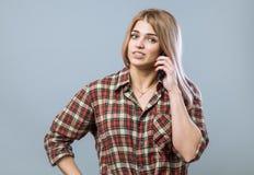 Девушка с телефоном Стоковые Изображения RF