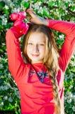 Девушка с тюльпанами в руках Стоковые Фото