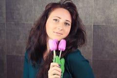Девушка с цветками Стоковое фото RF