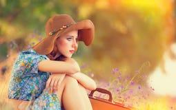 Девушка с чемоданом Стоковое Изображение RF