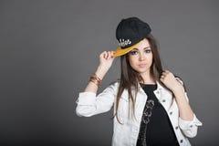 Девушка с шлемом Стоковые Фотографии RF