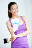 Девушка с Paintbrush и Swatch цвета Стоковое Изображение
