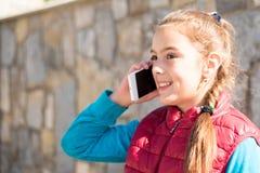 Девушка с smartphone Стоковые Фотографии RF