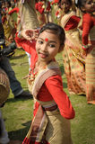 Девушка танцев в сари в Асоме Стоковое фото RF