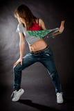 Девушка танцев хмеля вальмы на темной предпосылке Стоковые Фото