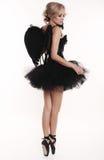 Девушка танцора балерины с светлыми волосами в роскошных танцах одевает Стоковые Изображения RF