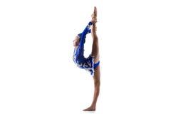 Девушка танцора делая стоящий backbend Стоковое фото RF