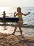 девушка танцульки малая Стоковое Изображение