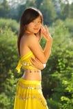 девушка танцы милая стоковое изображение rf