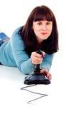 Девушка фанатически играет в видеоигре Стоковые Изображения RF