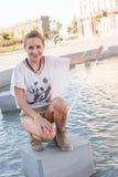 Девушка фонтаном Стоковые Фотографии RF