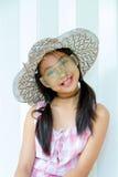 Девушка фотомодели над предпосылкой Pos девушки красоты стильный милый Стоковые Изображения