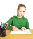 девушка чертежа меньшяя белизна таблицы Стоковая Фотография