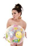 Девушка шарика изолированного пляжа Стоковые Фотографии RF