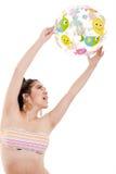 Девушка шарика изолированного пляжа Стоковое Изображение RF