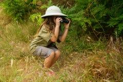 Девушка шлема пробочки в природе Стоковое Изображение