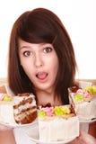 девушка шоколада торта стоковое изображение