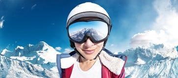 Девушка лыжи Стоковая Фотография