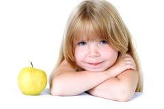 девушка яблока немногая желтый цвет Стоковые Фотографии RF