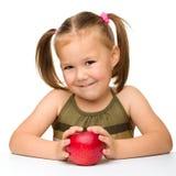 девушка яблока немногая красное Стоковые Изображения