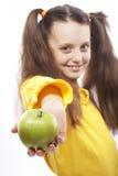 девушка яблока немногая Стоковое Изображение
