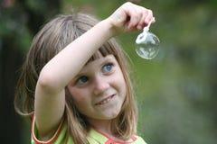 девушка 2 пузырей Стоковое Изображение RF