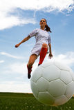 Девушка 2 футбола стоковое изображение rf