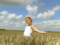 девушка 3 полей Стоковое фото RF