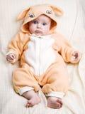 девушка costiume зайчика младенца немногая Стоковые Фотографии RF