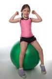 девушка fitball Стоковые Изображения