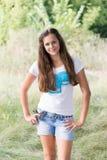 Девушка ofa портрета 14 лет в природе Стоковые Фото