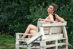 Девушка outdoors в платье лета Стоковые Фотографии RF