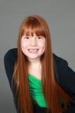 Девушка redhead Preteen с веснушками и димплами Стоковая Фотография RF