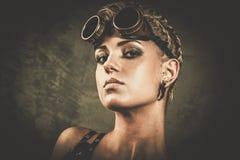 Девушка Steampunk с гуглит Стоковое Изображение RF