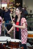 Девушки барабанщиков Taiko Стоковое фото RF