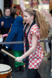 Девушки барабанщиков Taiko Стоковая Фотография