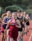 Девушки бегут 1600 метров Стоковая Фотография RF