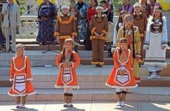 Девушки выполняют на фестивале Стоковое Фото