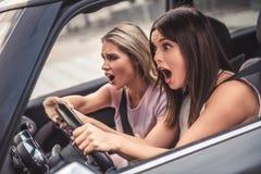 Девушки в автомобиле Стоковые Изображения