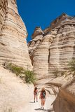 Девушки в горах Неш-Мексико на летних каникулах стоковое фото rf