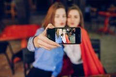 2 девушки в кафе Стоковые Фото