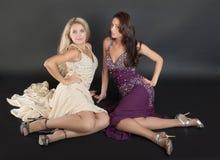 Девушки в платьях вечера Стоковая Фотография