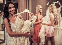 Девушки в салоне свадьбы Стоковая Фотография RF